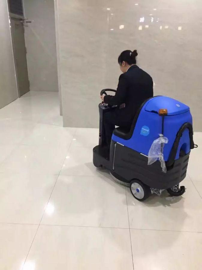 驾驶式洗地机都适用于哪些场合